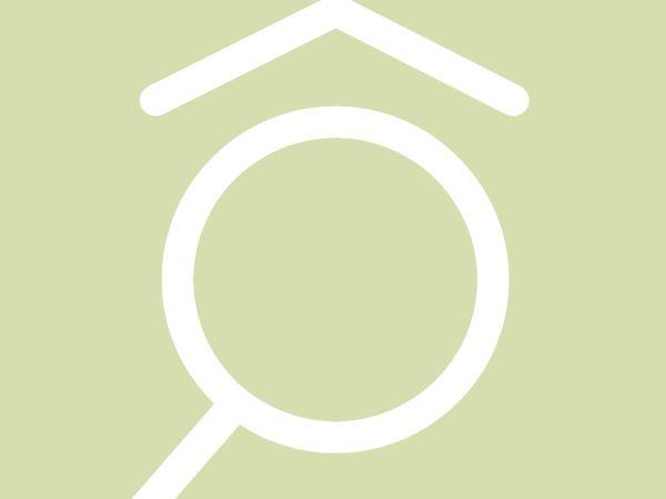 Case con posto auto in vendita a osio sotto bg for Villette moderne unifamiliari