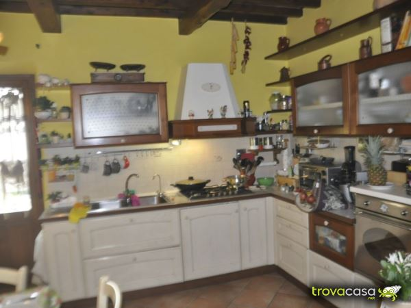 Foto Villa a Schiera in Vendita a Bibbiena