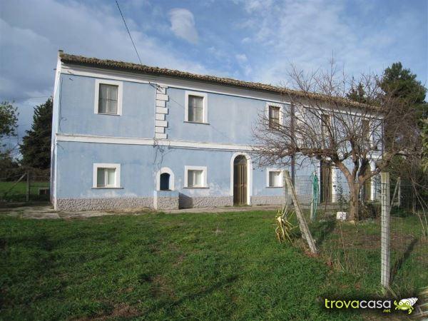 Foto Casa Indipendente in Vendita a Scerni