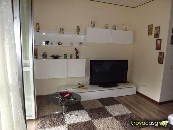 Foto Appartamento in Vendita a Vergiate