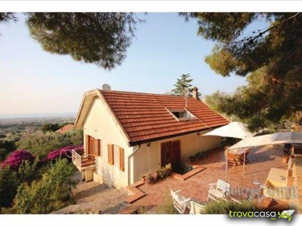 Foto Villa/Villetta in Affitto a Carini