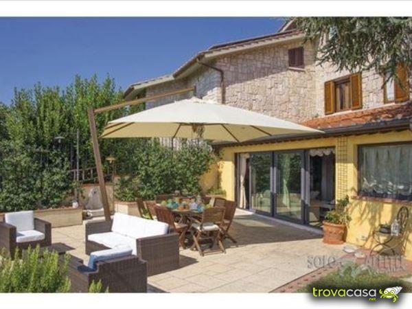 Foto Villa/Villetta in Affitto a Colle di Val d'Elsa