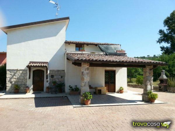 Foto Villa Singola in Vendita a Guardia Sanframondi