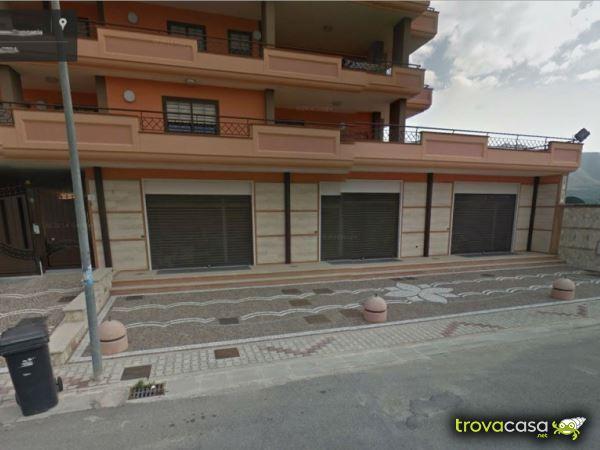 Foto Locale Commerciale in Affitto a Santa Maria Capua Vetere