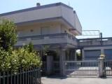 Foto Villa Bifamiliare in Affitto a Ortona