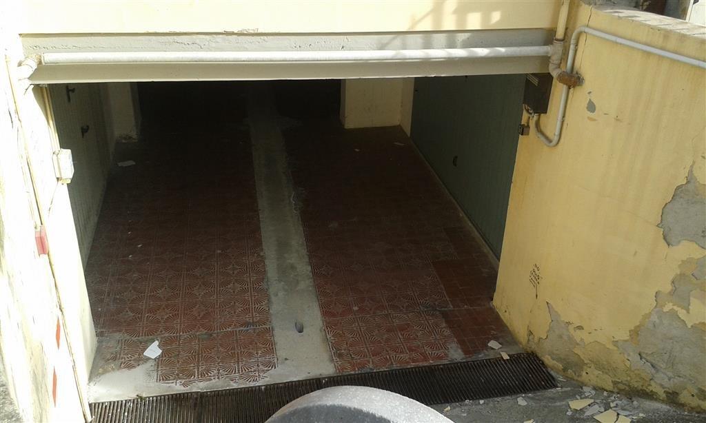 Garage/Box/Posto Auto a Follonica (3/5)