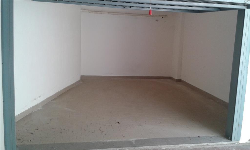 Garage/Box/Posto Auto a Follonica (4/5)