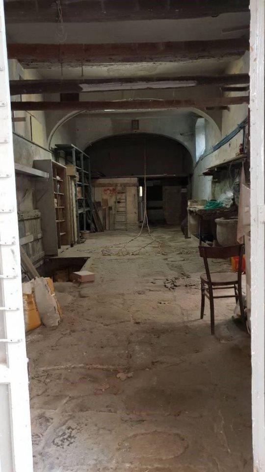 Tecnocasa bologna centro: Magazzino in vendita firenze