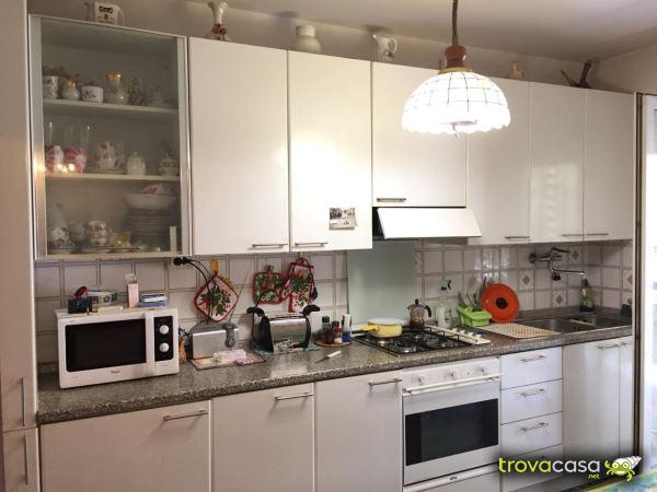 Salotto Verde Rovereto : Casa tre camere centro rovereto case a rovereto mitula case