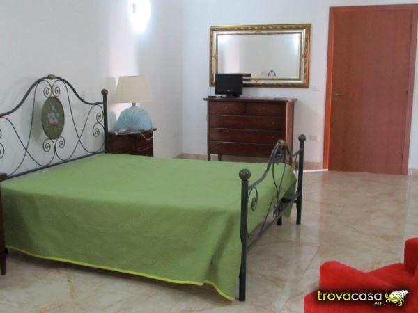 Camera Matrimoniale A Grottaglie.Annunci Dell Agenzia Eurocasa Servizi Immobiliari