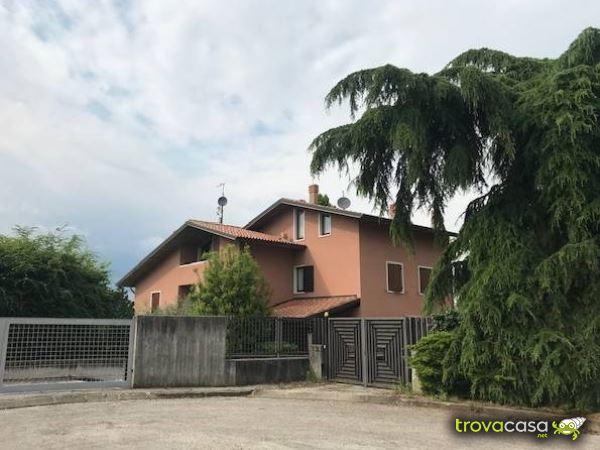 Ville e villette in affitto in provincia di verona for Affitto arredato verona