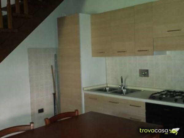 Case con giardino in affitto a foligno pg for Affitto appartamento arredato foligno