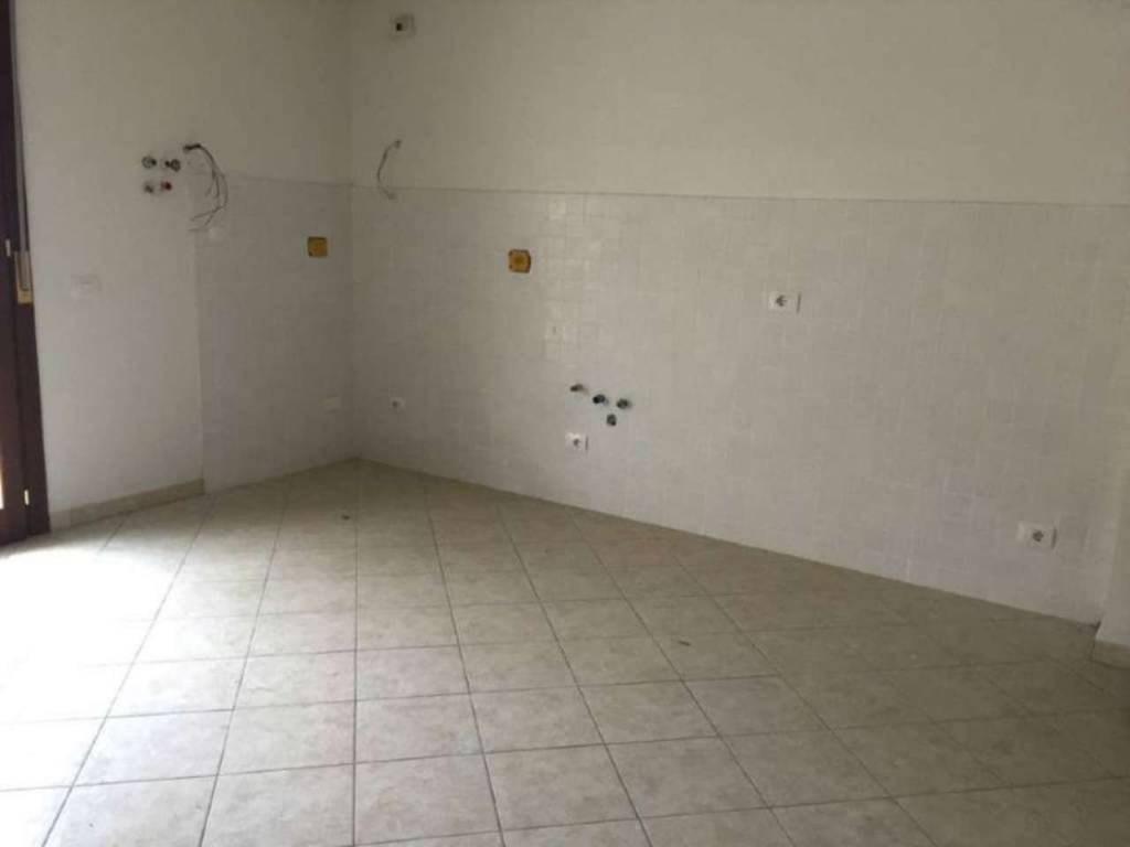 Appartamento Prato 35913198