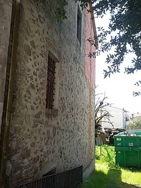 Casa semindipendente in vendita a Porcari (LU)