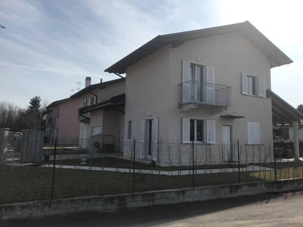 Villa a schiera Ispra 32787057